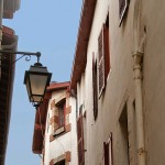 view-up-streetlamp